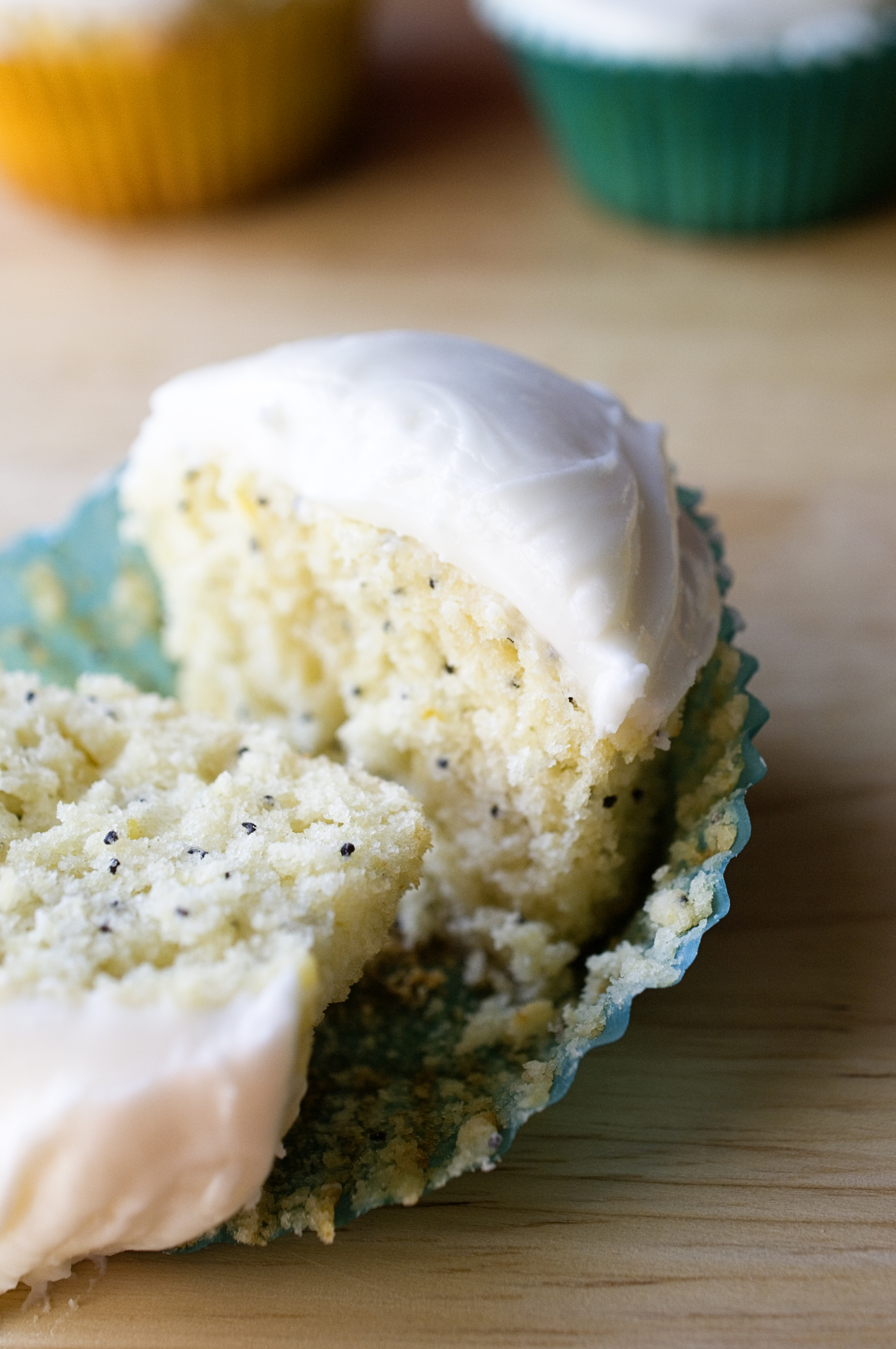 Lemon Poppy Seed Cupcakes with Lemon Cream Cheese Frosting ...
