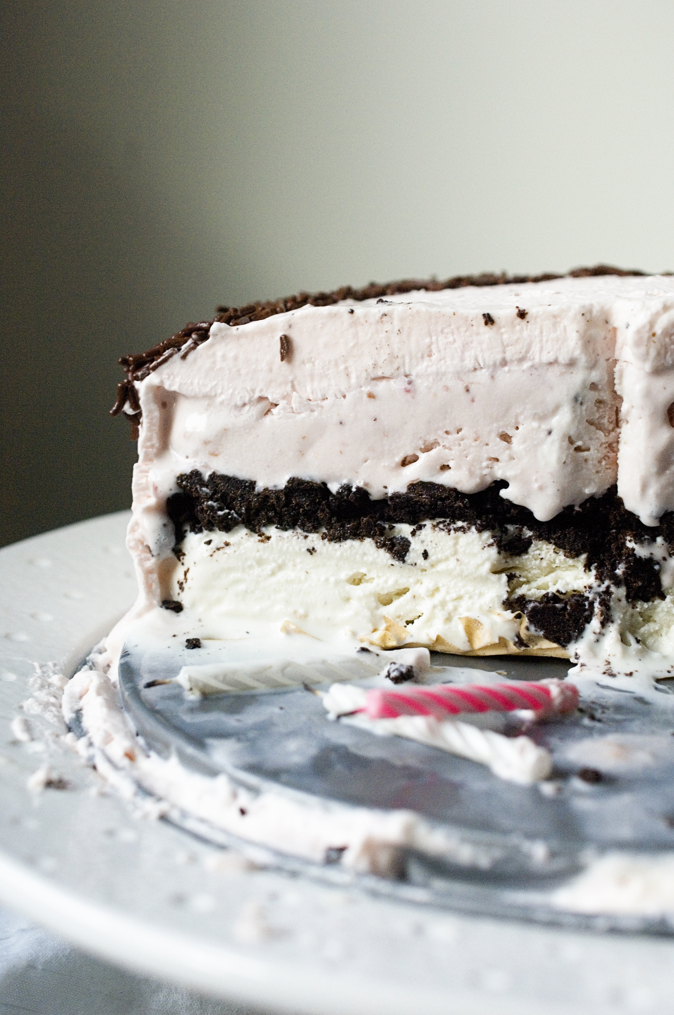Make a carvel ice cream cake